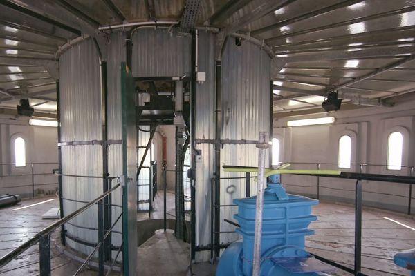 En 1938, une troisième est construite en étages inférieurs pour stocker de l'eau non potable.