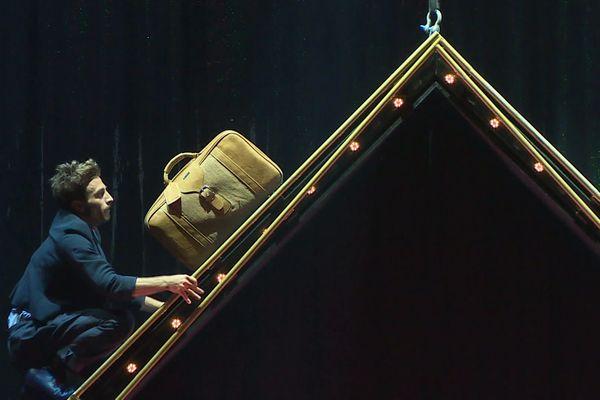 Le cirque québécois Eloize fête en première française les 25 ans de la compagnie sur la grande scène des Nuits de Fourvière