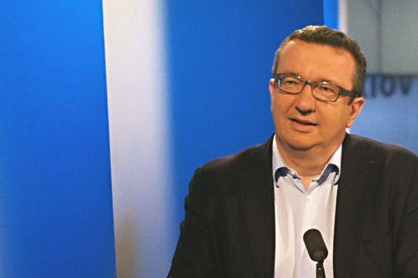 """Le député socialiste de la Nièvre Christian Paul invité de l'émission """"La Voix est Libre"""" samedi 26 avril 2014"""