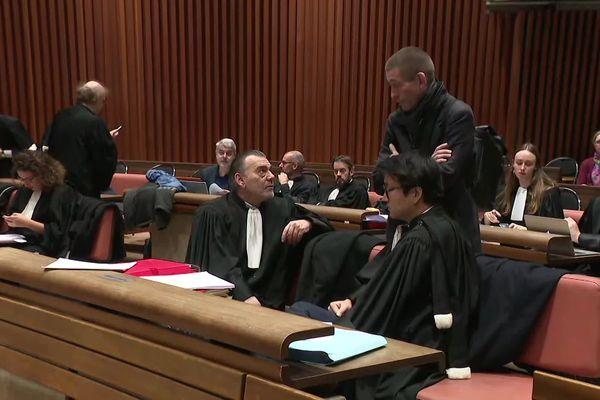 Beaucoup d'avocats dans la salle d'audience ce lundi à Lille pour un procès hors-norme
