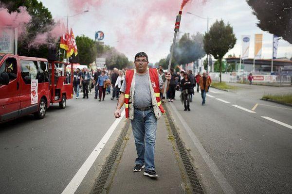 Cortège de manifestants contre la loi travail 26 mai 2016