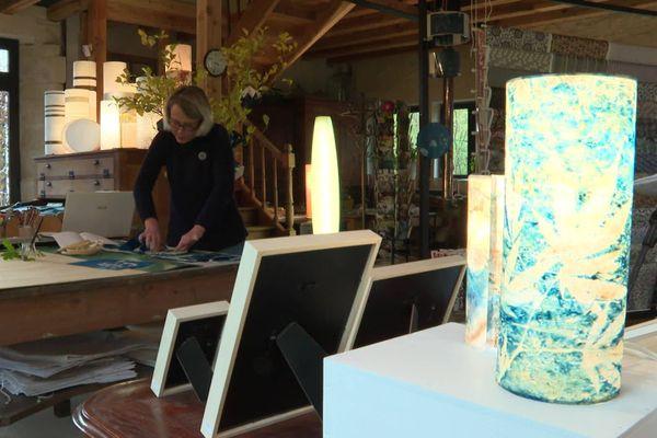 """Agnès Clairand, qui est artiste à Poitiers, a touché une nouvelle clientèle plus locale grâce au """"Marché de Noël virtuel dans la Vienne""""."""