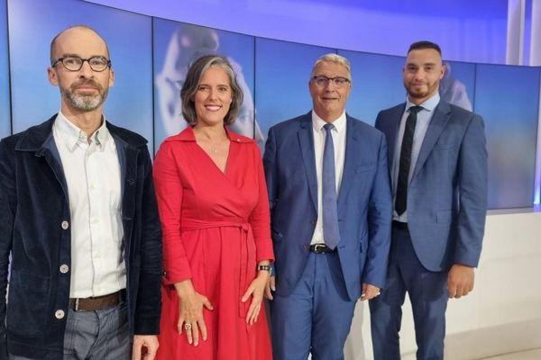 Les candidats des principales listes en débat du 1er tour des Départementales en Isère ce 16 juin : Benjamin Trocmé (Printemps Isérois),Cendra Motin ( LRM), Jean-Pierre Barbier( LR),Alexis Jolly (RN),