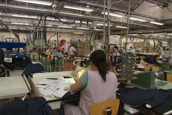 La marque Smuggler, les boutiques qui commercialisent les costumes, et l'usine de Limoges qui les fabriquent, sont en passe d'être repris par un seul et même actionnaire : le groupe Molitor.