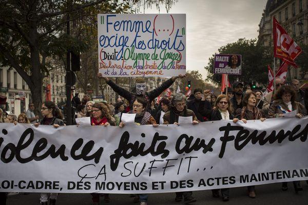 Manifestation contre les violences faites aux femmes en 2014 à Paris