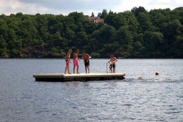 Pour la première fois cette année, le lac d'Eguzon a obtenu le label Pavillon Bleu 2017.