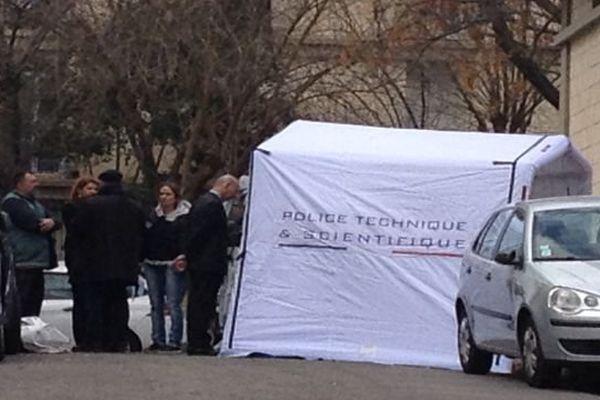 Montpellier - la police scientifique et technique sur les lieux du drame procède aux prélèvements et analyses - 30 mars 2016.
