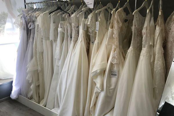 Robes blanches de mariées.