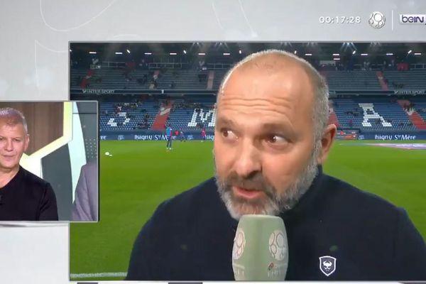 Image sympathique pour les supporters du Stade Malherbe Caen, les deux coachs Garande et Dupraz, ensemble à l'antenne.