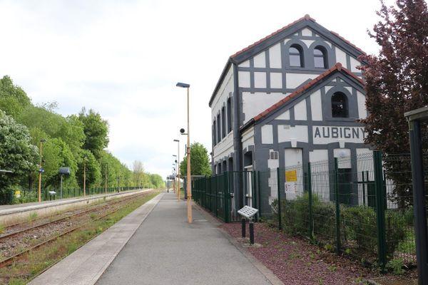 La gare d'Aubigny-en-Artois où des accrochages ont eu lieu entre SS et soldats britanniques le 22 mai 1940.