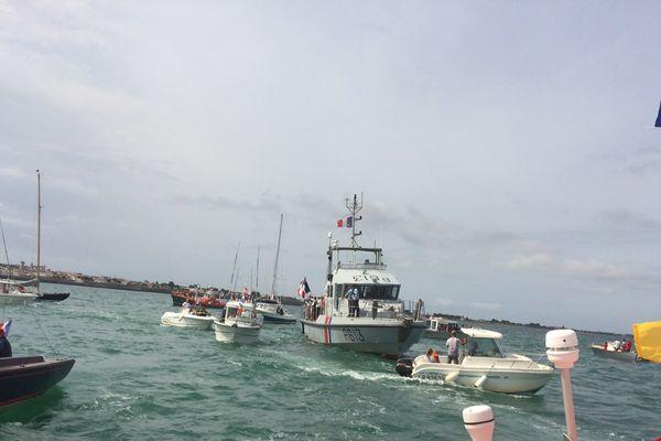 Les bateaux pendant la bénédiction de la mer et la cérémonie aux marins disparus à St-Martin-de-Ré.