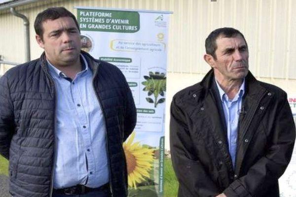 Jean-Paul Rivière avec son successeur Alain Iches, nouveau président de la chambre d'agriculture du Tarn-et-Garonne (à gauche) - archives.