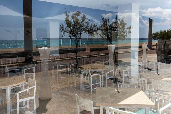 Selon le gouvernement, en Corse comme ailleurs, les cafés et restaurants pourraient rouvrir fin mai.