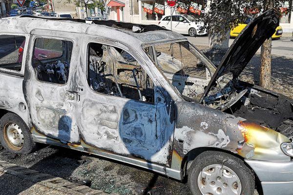 Deux véhicules brûlés dans la nuit du 3 au 4 juillet 2019, dans le quartier de la gare, s'ajoutent à la liste déjà longue depuis quelques mois à la Souterraine