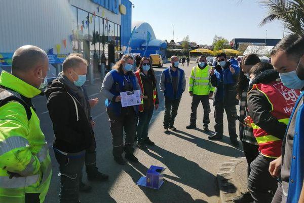 Les salariés de Castorama Limoges-Feytiat ont débrayé tôt ce matin et réclament leurs primes d'intéressement.