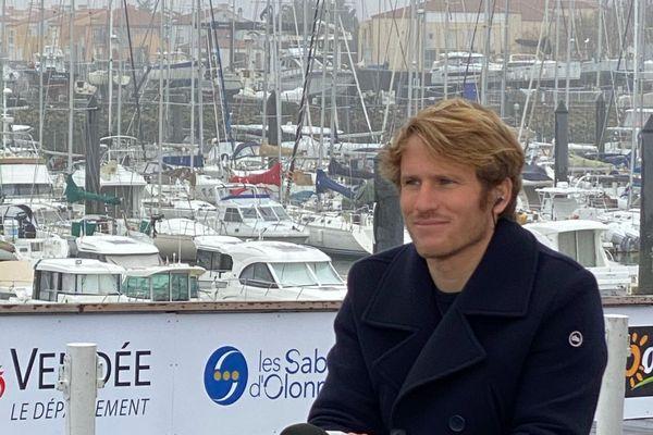 Vainqueur du Vendée Globe en 2012, François Gabart est engagé auprès de l'association SOS Méditerranée qui organise en mer des sauvetages de migrants.