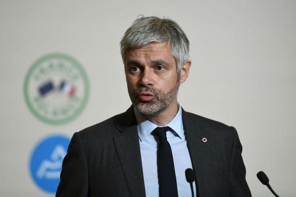 Le président de la région Auvergne-Rhône-Alpes a annoncé une série de mesures d'aides aux étudiants, notamment pour trouver des stages, postes en alternance ou premiers emplois.