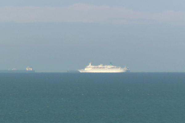 """Le paquebot """"Albatros"""" ce 23 octobre à 9 miles nautiques du port du Havre"""