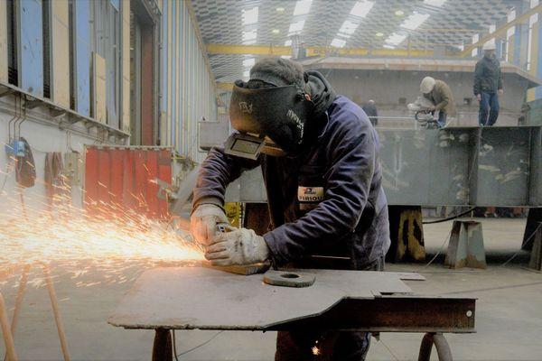 Des ouvriers des chantiers naval Piriou à Concarneau