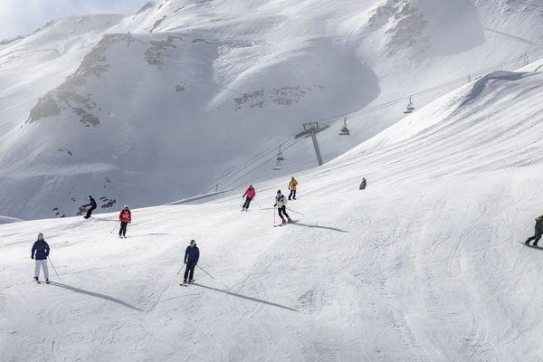 Pistes de ski sur le domaine skiable de Cauterets dans les Hautes-Pyrénées.