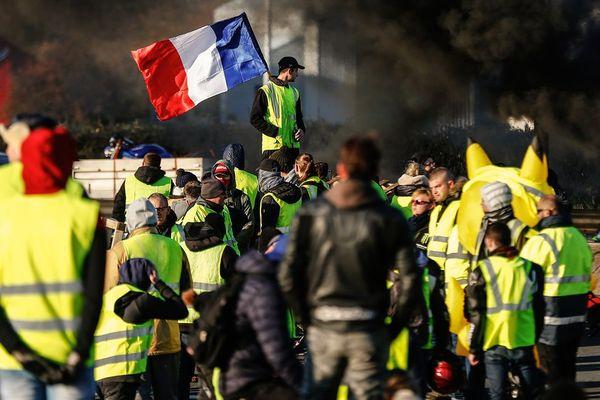 Rassemblement des Gilets jaunes à Caen