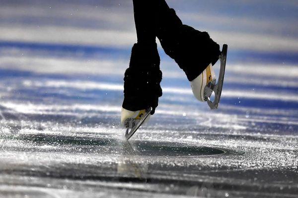 L'entraîneur d'Annecy patinage, Didier Lucine, avait alerté la Fédération française des sports de glace en 2000 au sujet des comportements supposés de Gilles Beyer.