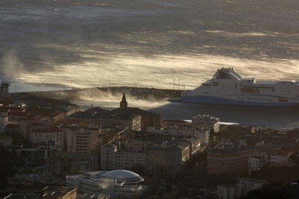 Un vent d'Ouest particulièrement fort est attendu dans le nord de la Corse.
