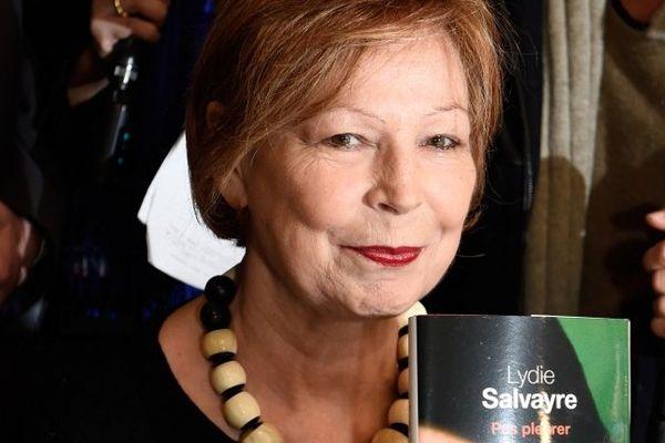 """Lydie Salvayre couronnée pour son roman """"Pas pleurer"""""""