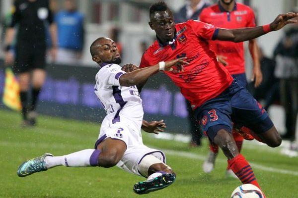 03/10/15 - Le Gazélec Ajaccio, lanterne rouge, n'a pas réussi à remporter sa première victoire en Ligue 1 contre Toulouse (2-2), samedi au stade Ange-Casanova pour la 9e journée.