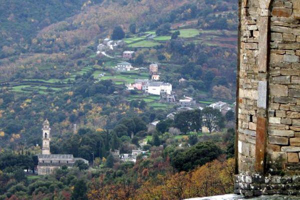 ILLUSTRATION - Vue d'un paysage du Cap Corse à Sisco, au nord de Bastia