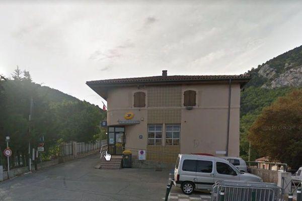 Le bureau de Poste de Mimet dans les Bouches-Rhône