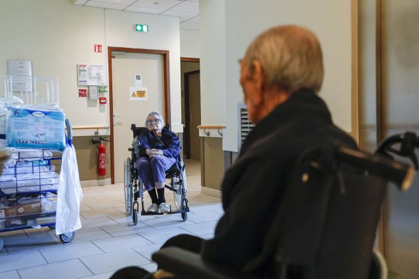 Pendant la période des fêtes de fin d'année, les conditions de visites et de sorties sont assouplies dans les  établissements d'hébergement pour personnes âgées dépendantes.