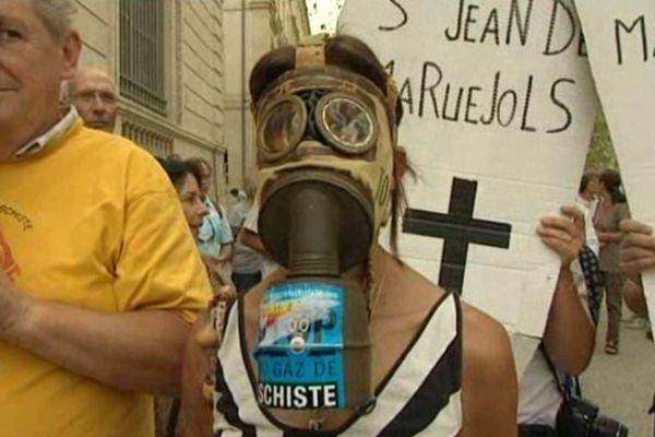 Une cinquantaine de personnes sont venues soutenir les maires opposés au gaz de schiste