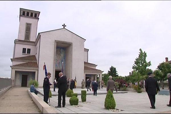 L'Eglise nouvelle d'Oradour-sur-Glane (archives)
