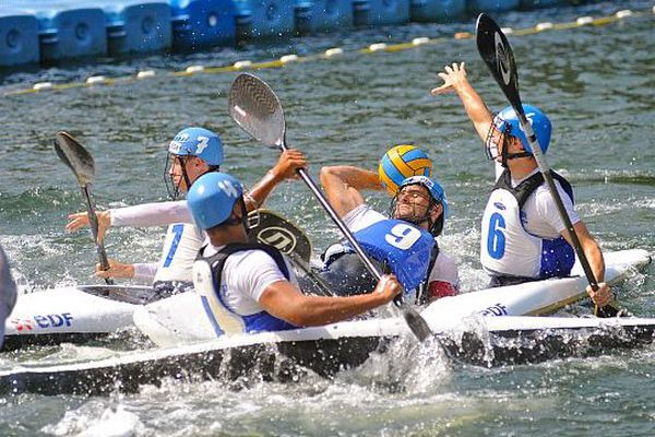 Le championnat du monde de Kayak-Polo se déroule à Thury-Harcourt jusqu'au 28 septembre.
