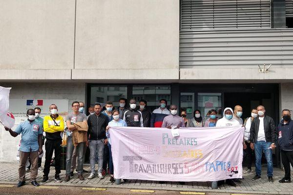 """Depuis un an et demi, le collectif """"travailleurs sans-papiers"""" se mobilise pour faire entendre sa voix."""