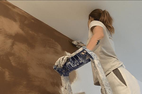 Marine Boulanger, en formation de peintre-décoratrice