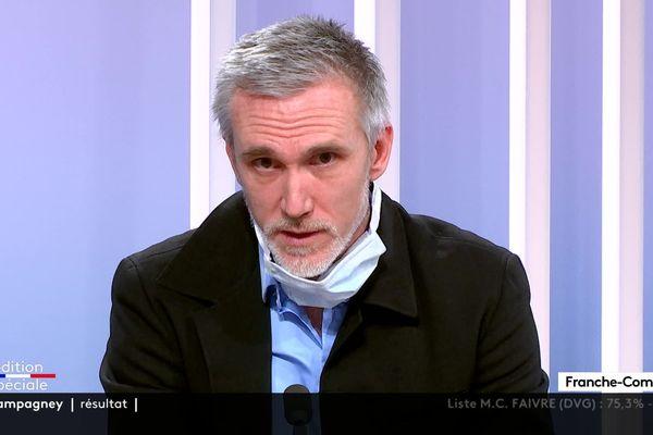 Laurent Thines, professeur au CHU de Besançon