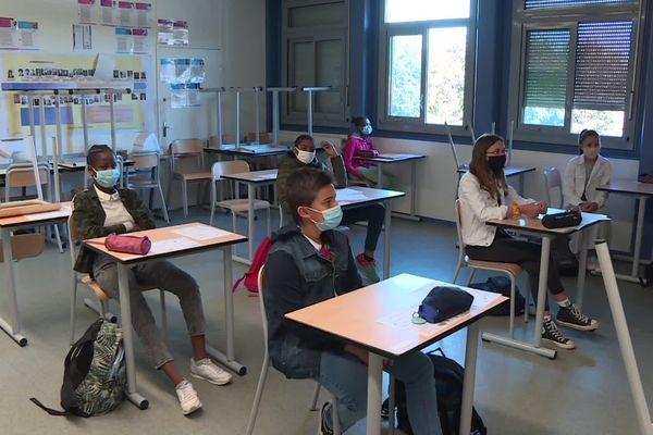 Certains élèves de 6e du collège Calmette de Limoges étaient de retour dans leur établissement ce lundi 18 mai 2020