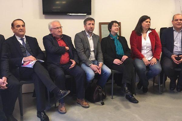 Une partie des représentants politiques réunis au club de la presse de Montpellier pour appeler au rassemblement contre l'antisémitisme après les insultes proférées contre le philosophe Alain Finkielkraut. - 19/02/2019