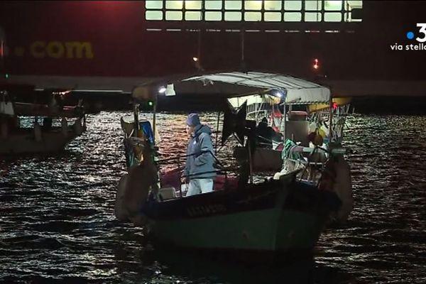 Lundi 10 décembre 2018, les pêcheurs d'Ajaccio ont partiellement bloqué le port de commerce.