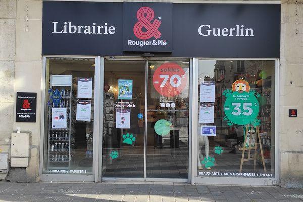 La séance de dédicace aura lieu à la librairie, sur rendez-vous.