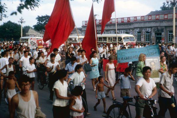 Etudiants, tous à l'usine. Itinéraires de maoïstes ouvriers