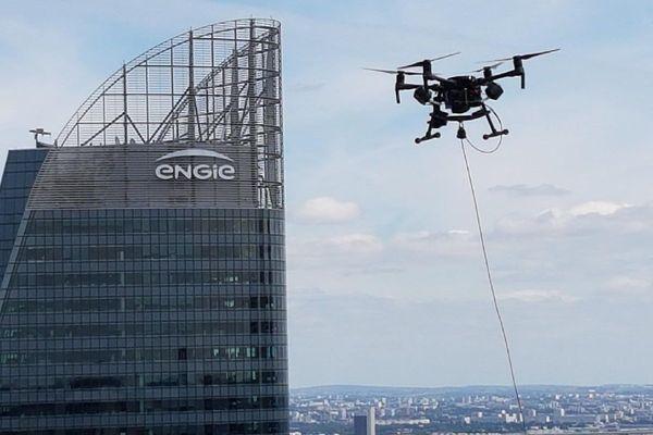 Ce drone filme en continu.