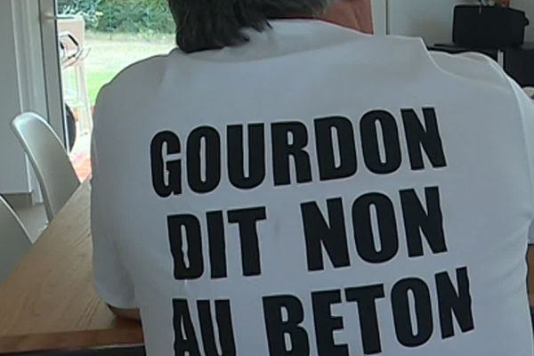 """Gourdon dit """"non"""" au béton, l'association Gourdon 06 est contre le projet immobilier à Gourdon"""