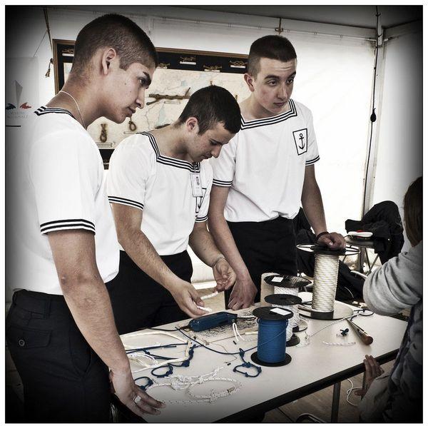 Les dix mois passés à l'École des mousses permettent aux élèves de commencer à se préparer à une dizaine de métiers de la Marine nationale.