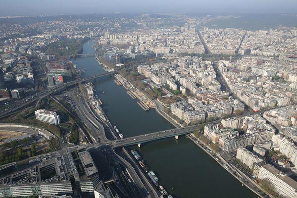 L'agglomération parisienne, vue du ciel.