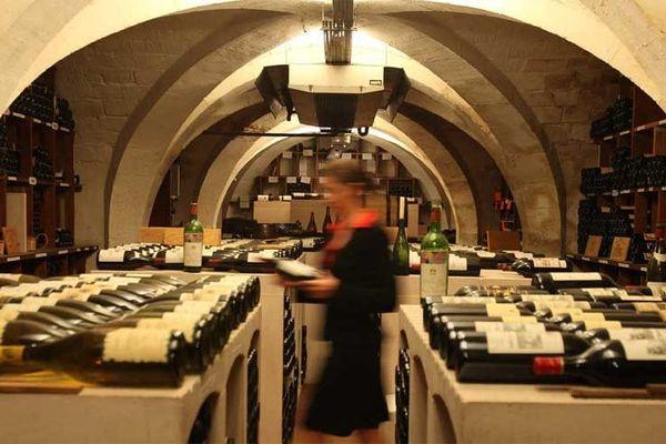 10% de la cave de l'Elysée vont être vendu aux enchères à Drouot jeudi 30 et vendredi 31 mai 2013.