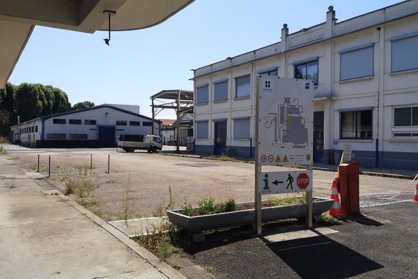 Des anciens salariés de Luxfer, fabricant de bouteilles de gaz haute pression veulent trouver un avenir à leur usine de Gerzat dans le Puy-de-Dôme.