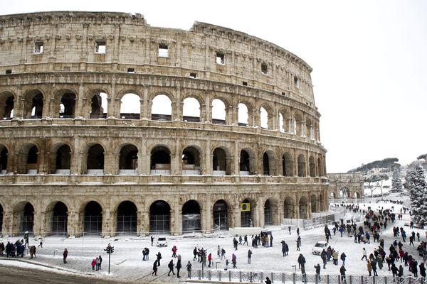Le Colisée sous la neige.
